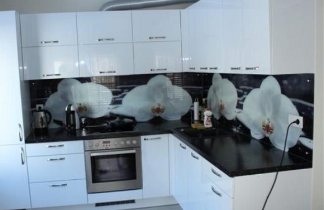 Пример. Готовая кухня на заказ Ирпень. Дизайнерская корпусная мебель SETTER
